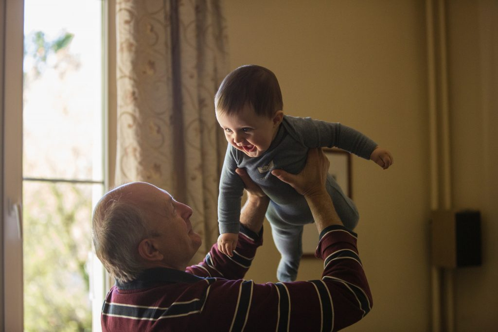 Grandparent looking after child in a support bubble